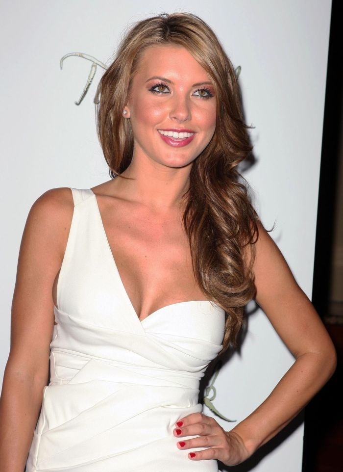 Audrina Patridge celebrating the 4th of July (7 pics)