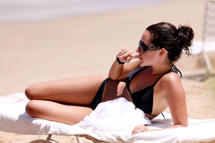Ashley Tisdale in bikini (5 pics)