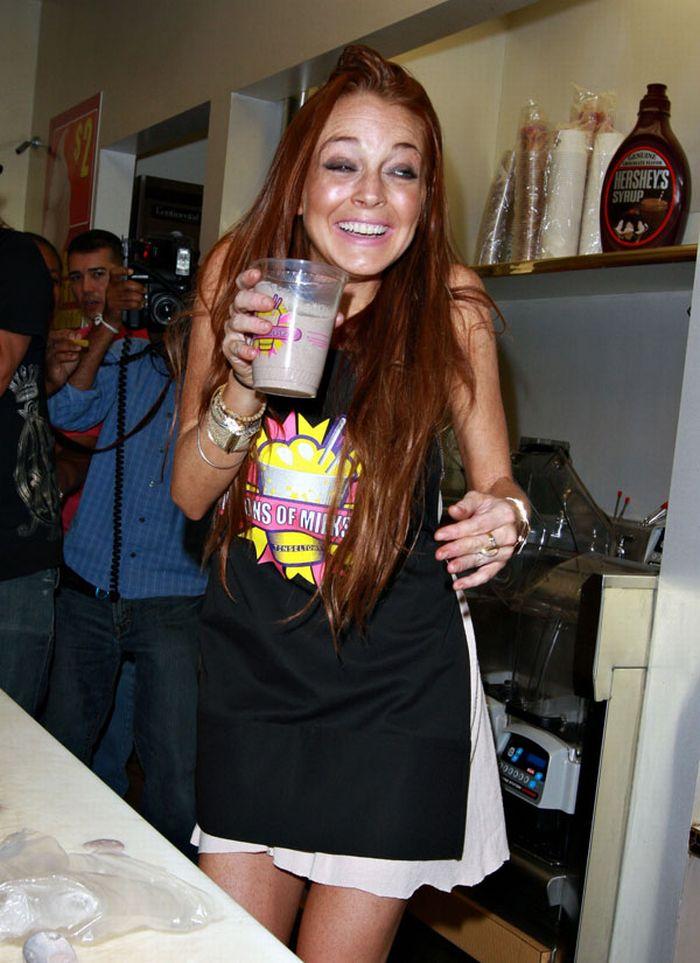 Lindsay Lohan (6 pics)