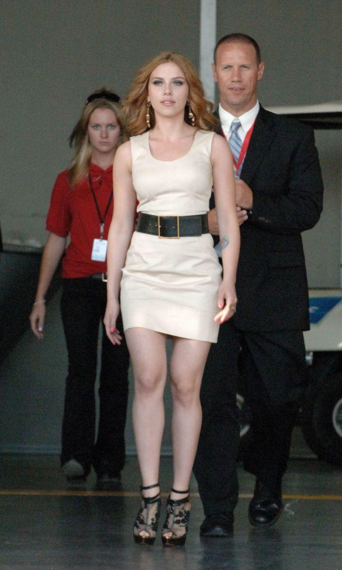 Scarlett Johansson at Comic-Con 2009 (9 pics)