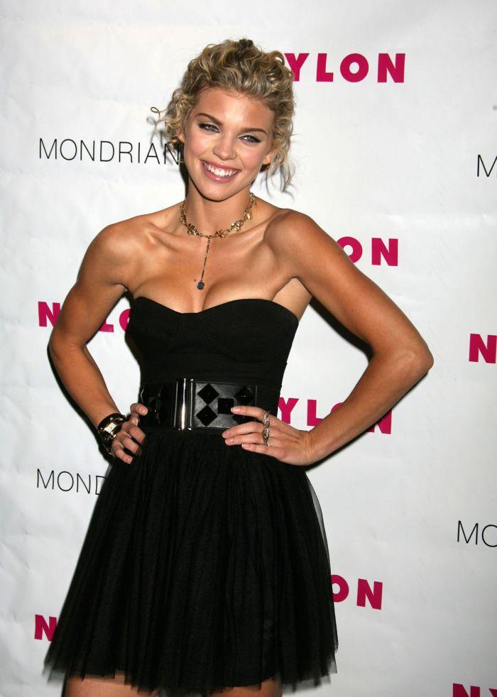 Annalynne McCord (8 pics)