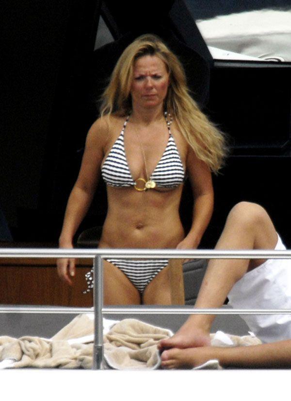 Gerry Halliwell in bikini (16 pics)