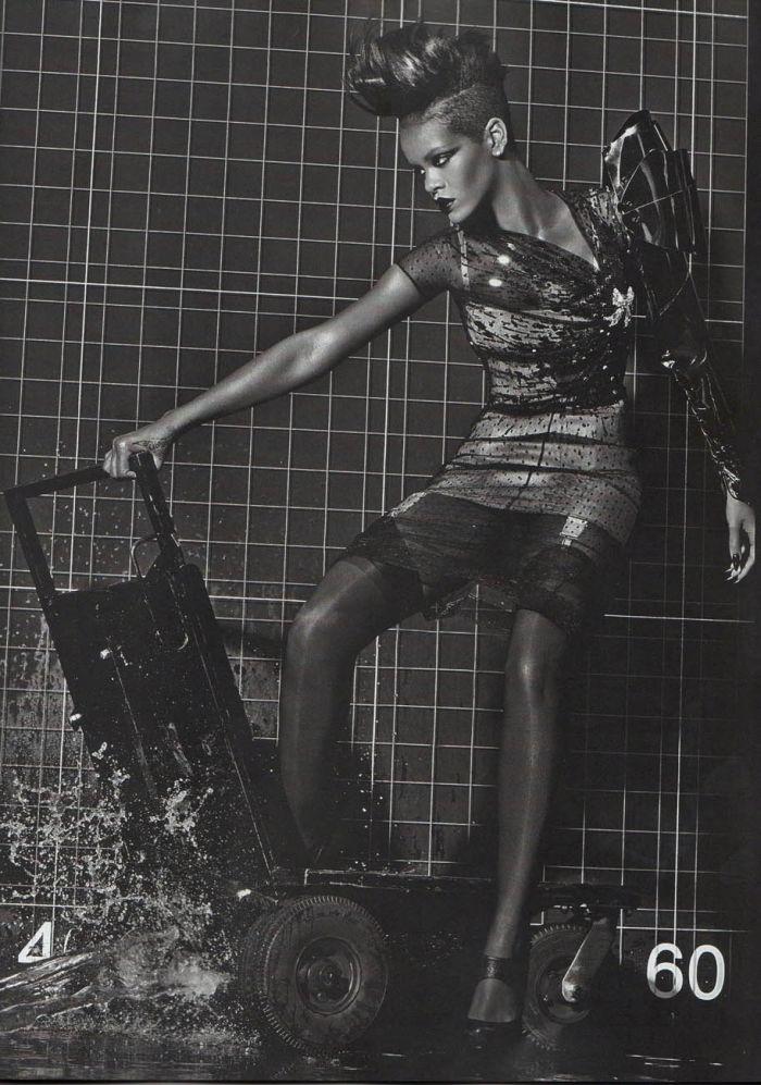 Rihanna in Vogue (9 pics)