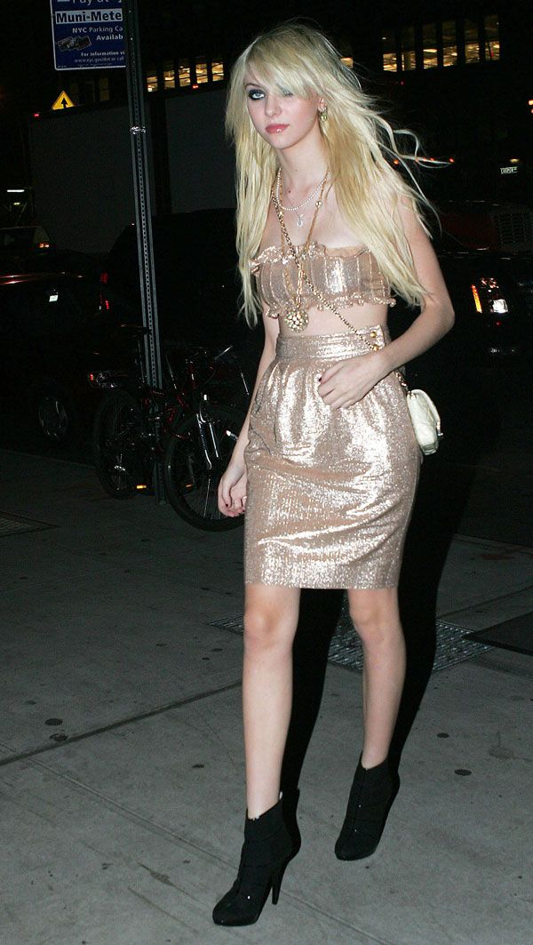 Taylor Momsen (5 pics)