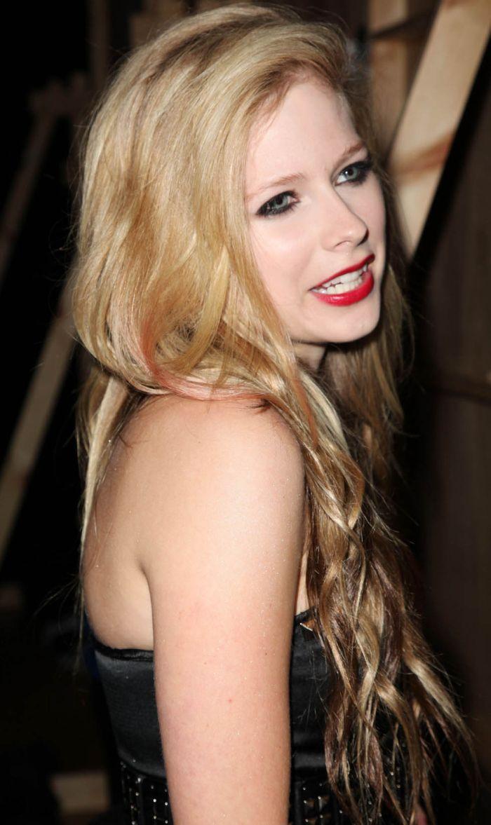 Avril Lavigne (8 pics)