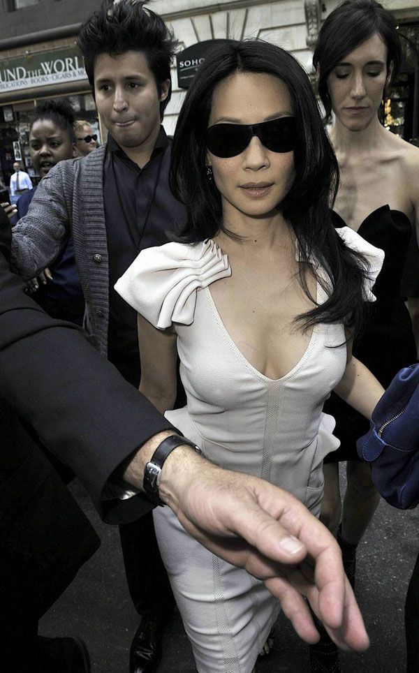 Lucy Lui (4 pics)