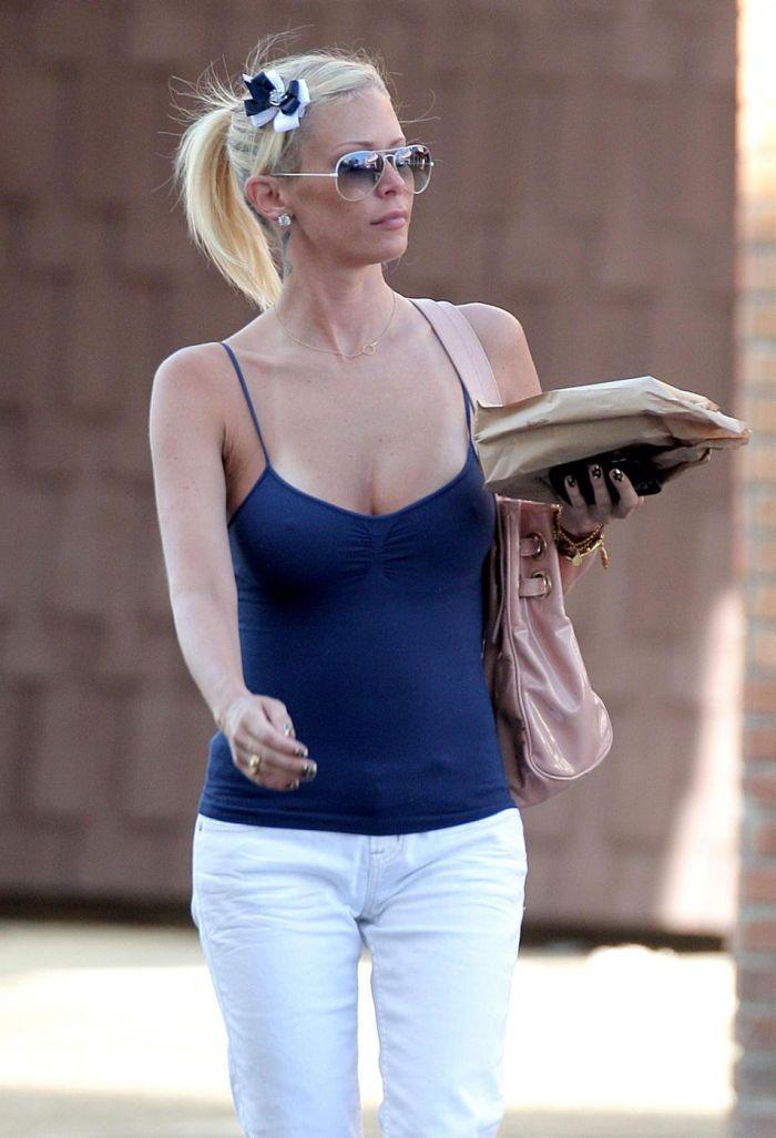 Jenna Jameson Dressed (7 pics)
