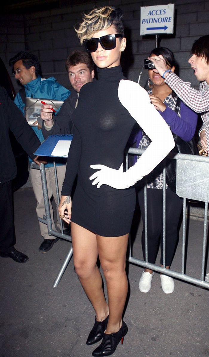 Rihanna in see-through dress (7 pics)