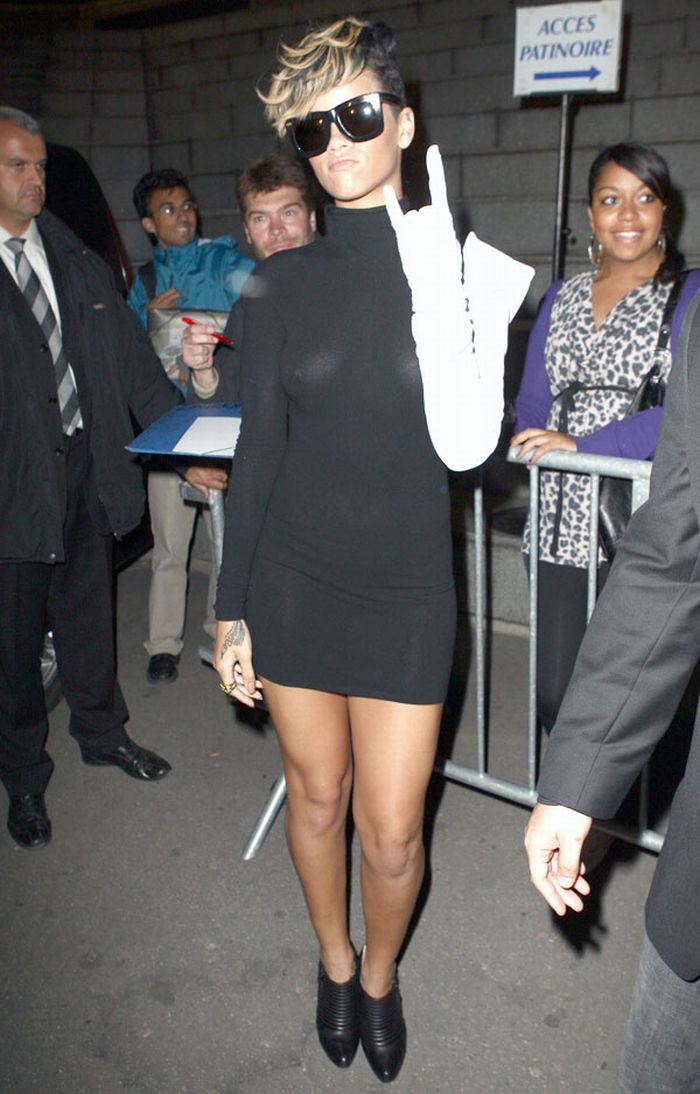 Rihanna in see-through dress (7 pics)