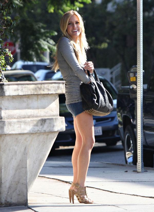 Kristin Cavallari Got Great Legs (8 pics)