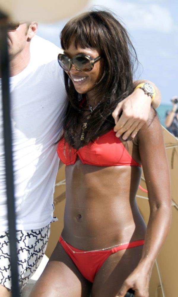Naomi Campbell in bikini (12 pics)
