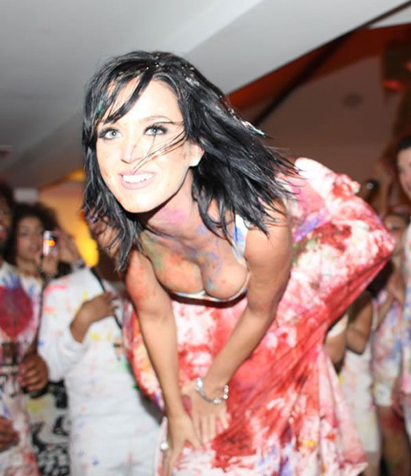 Katie Perry Looks Very Hot (9 pics)