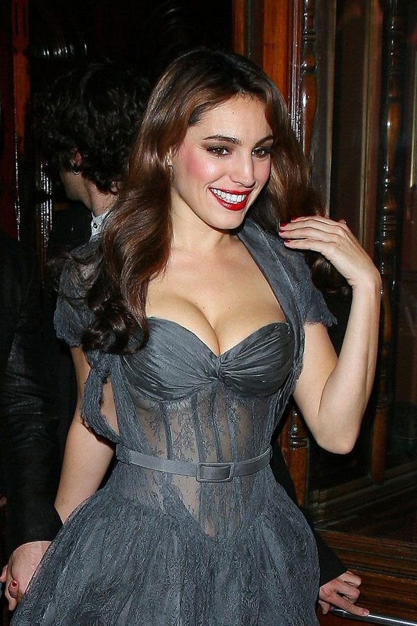Kelly Brook Cleavage (5 pics)