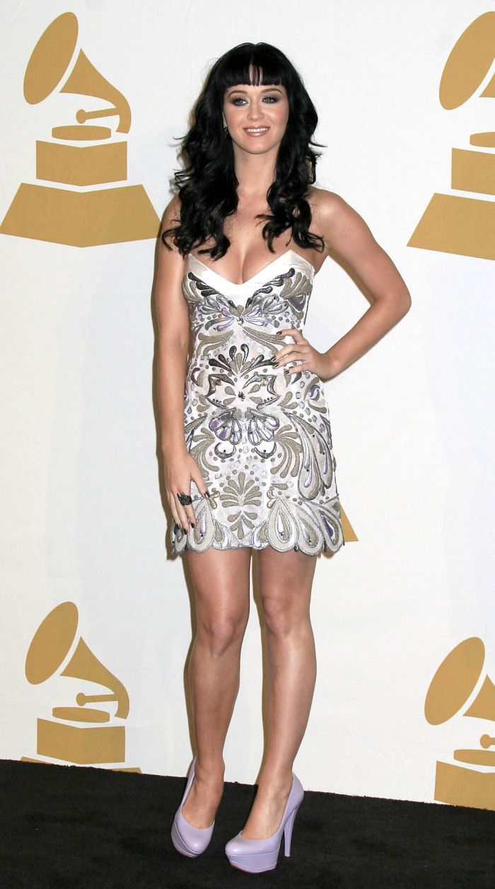 Katy Perry and her beautiful cleavage (10 pics)