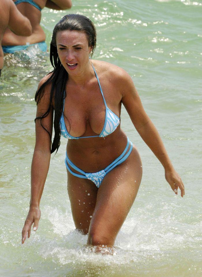 Nicole Bahls in Bikini (8 pics)