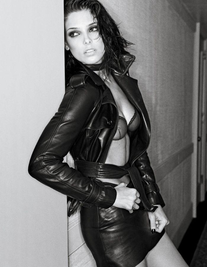 Ashley Greene (3 pics)