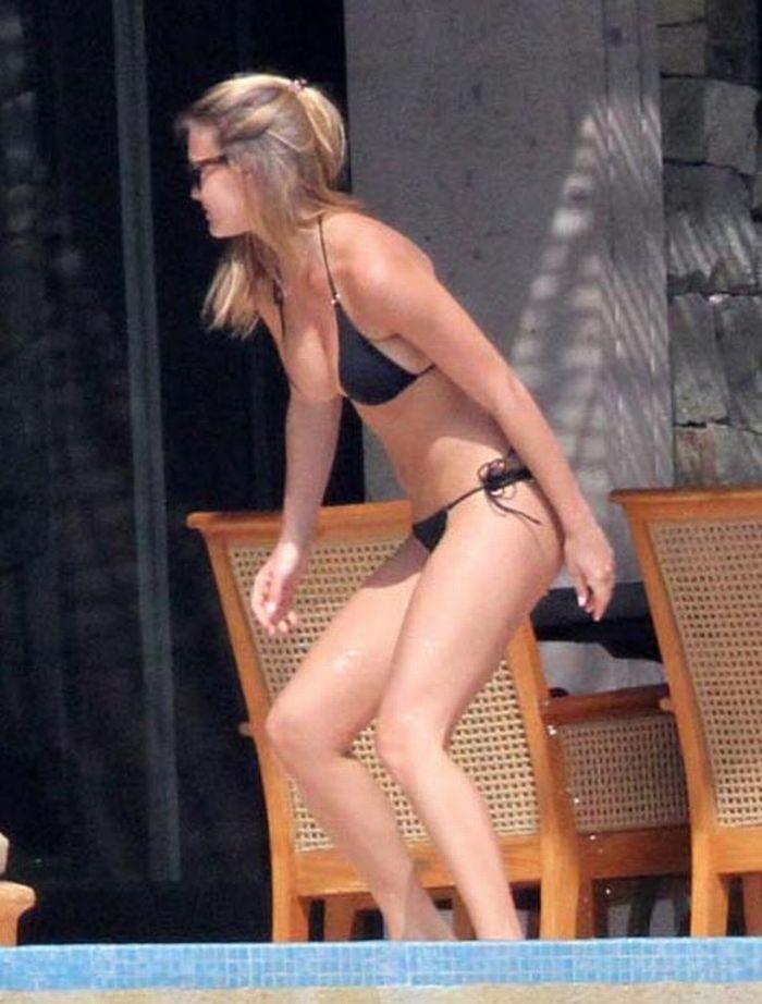 Bar Rafaeli in bikini (8 pics)