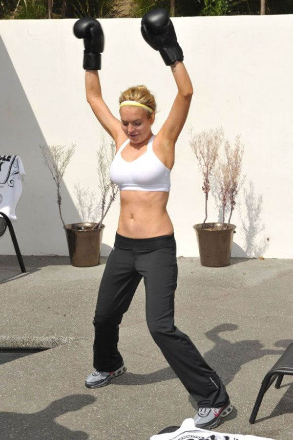 Lindsay Lohan in Sports Bra (7 pics)