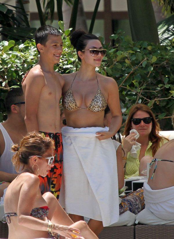 Kima Kardashian in Bikini (10 pics)