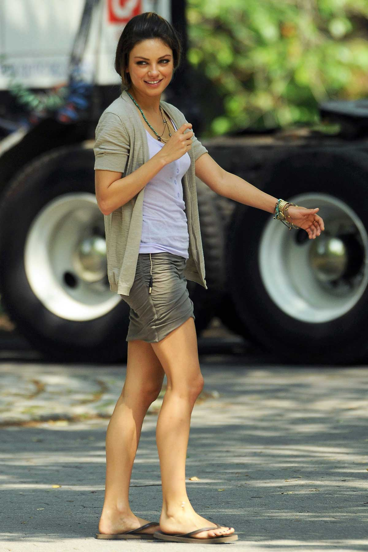 Mila Kunis' Cleavage (6 pics)