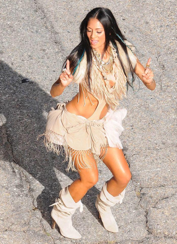 Nicole Scherzinger Looks Sexy