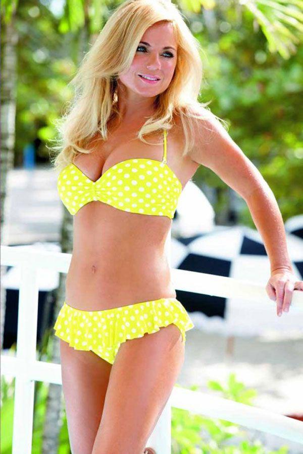 Geri Halliwell in Bikini (7 pics)