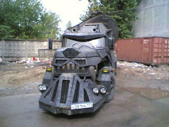 Monster Truck in Moscow (6 pics)