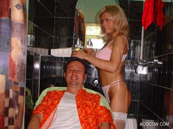 Most sexual hairdressing salon (6 pics)