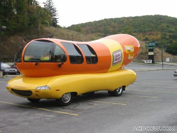 Funny Wienermobile (10 pics)