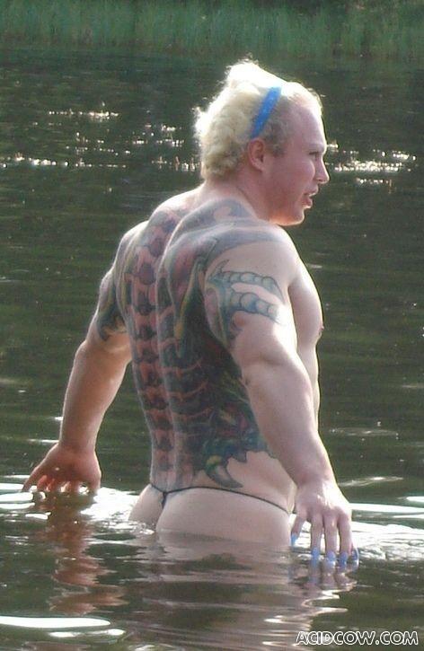 Man on the Lake (8 pics)