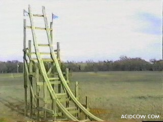 Self-made roller coaster (57 photos)