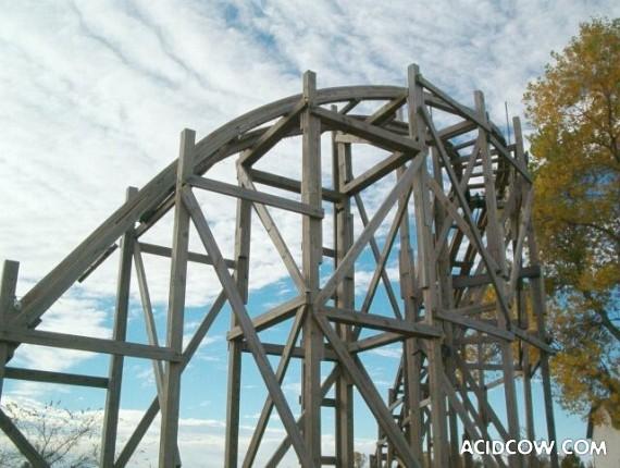 Self-made roller coaster (57 photos)