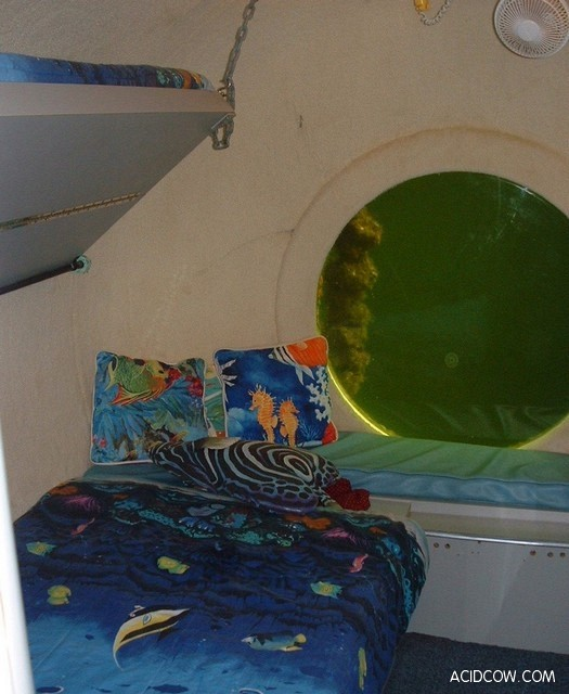 Underwater Hotel (7 pics)
