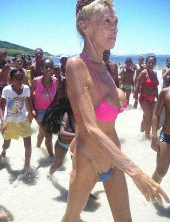 How the Silicone Boobs Look When You Are 60 (7 pics)