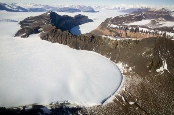 Trip to the Antarctic Region (38 pics)