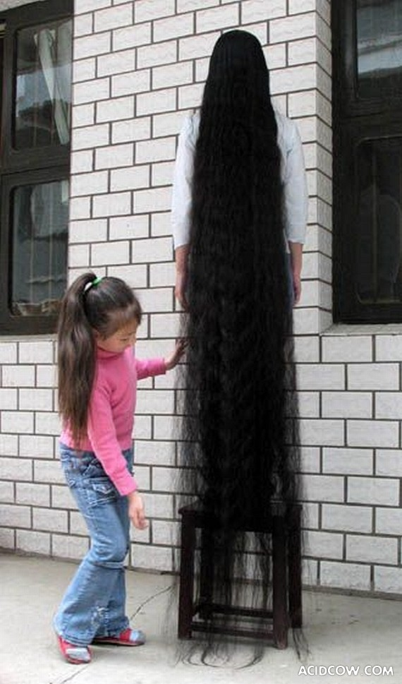 Incredibly Long Hair (5 pics)