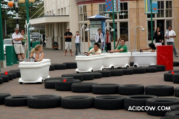 Bath-Car Races (19 pics)