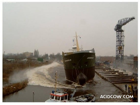 Ship Launch (10 pics)