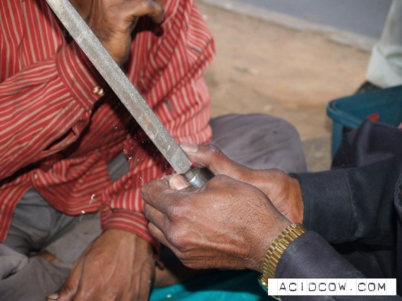 The street dentist in India (13 pics)