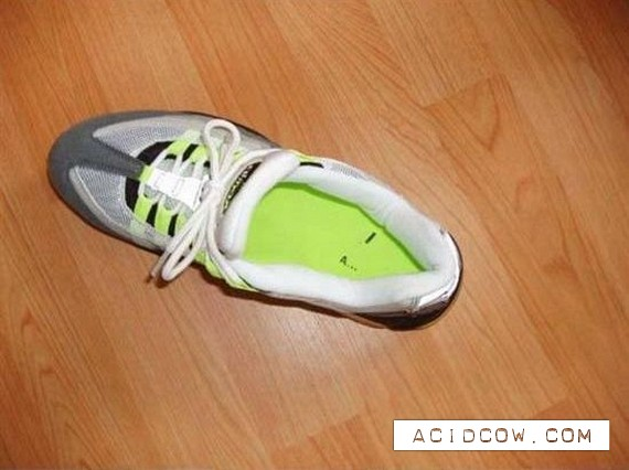 How to recognize the Chinese Nike) (6 photos)