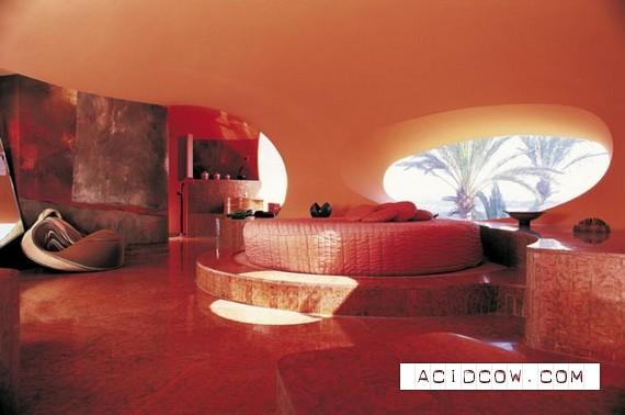 Pierre Cardin's Bubble House (8 pics)