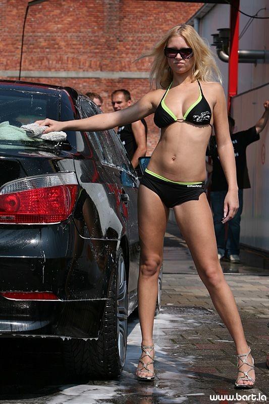 Bikini Carwash (26 pics)