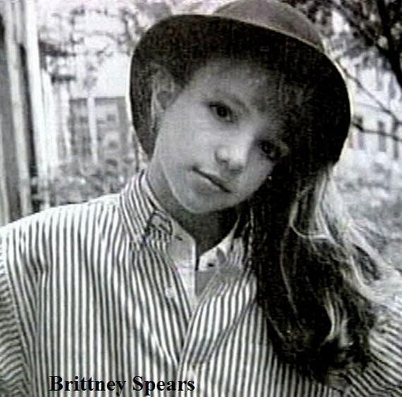 Fotos de Famosos cuando no eran famosos en su mayoria eran niños¡ 44