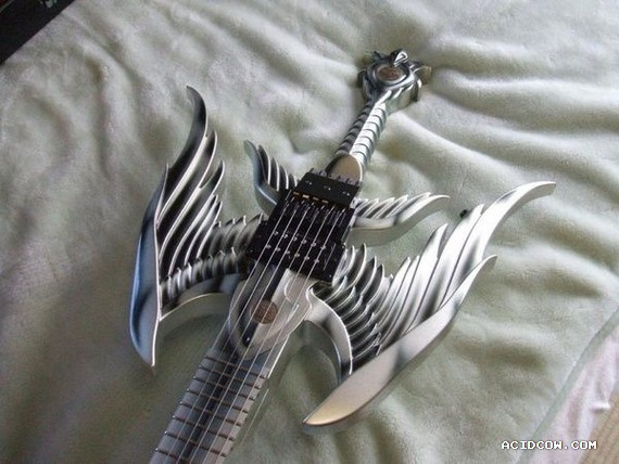 Unusual guitar (11 pics)