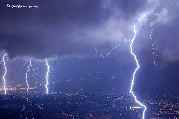 Thunderstorm above Geneva of 20th June 2007 (7 photos)