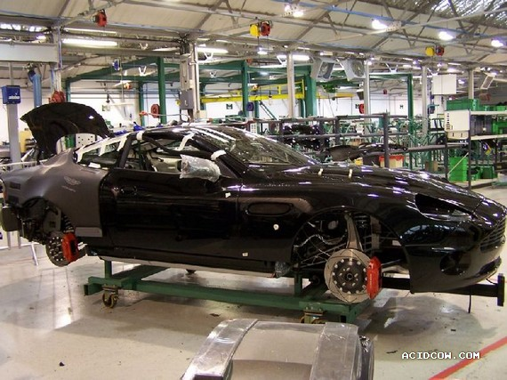 A photo tour of the Aston Martin factory (32 pics)