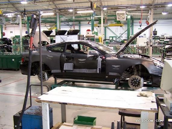 A photo tour of the Aston Martin factory (32 pics)