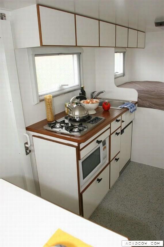 A Treveler Dream - The Unicat Home On Wheels