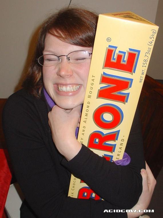 The giant chocolate (5 pics)