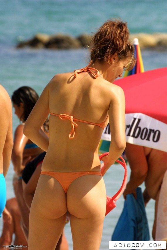 Beautiful Back-View Photos (32 pics)
